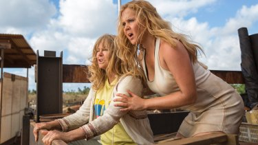 Goldie Hawn and Amy Schumer play a mother and daughter in <i>Snatched</i>.