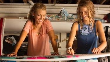 Nancy (Blake Lively) with her sister Chloe (Sedona Legge) in <i>The Shallows</i>.