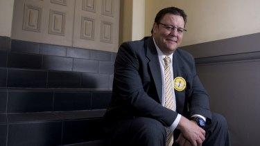Senator Glenn Lazarus has quit the Palmer United Party.