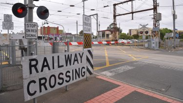 Melbourne has 168 level crossings.