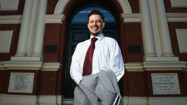 Christian Kunde, a trainee doctor, said he had decided to stand aside in order not to distract from Labor's campaign.