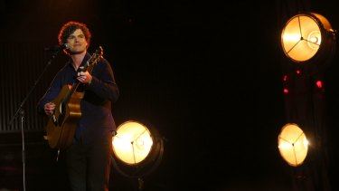 Vance Joy at the 2015 ARIA Awards.