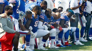 More than a hundred NFL players dropped a knee or stayed in the locker room during the national anthem this weekend.