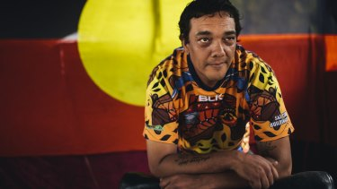 Indigenous activist Rodney Kelly hopes to travel to Britain to negotiate the return of Gweagal tribe artefacts which were taken during Captain Cook's first encounter.