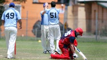 Southern ACT bowler Ben Mitchell dismisses Illawarra's Luke Boncompagni on Saturday.
