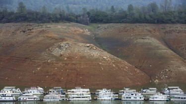 Sinking houseboats on Lake Oroville.