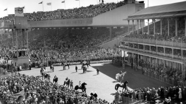 Those were the days: The scene at Randwick for the 1954 spring carnival.