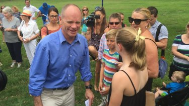 Premier Campbell Newman takes his campaign to Ashgrove.