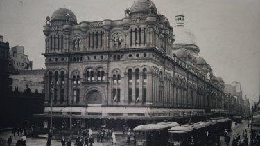 Historic photographs of the QVB circa 1918.