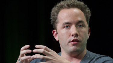 Drew Houston, co-founder of Dropbox, announced the closure of Carousel and popular email client Mailbox.