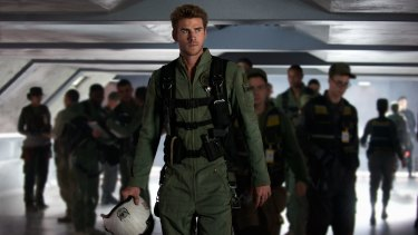Liam Hemsworth is a pilot in <i>Independence Day: Resurgence</i>.