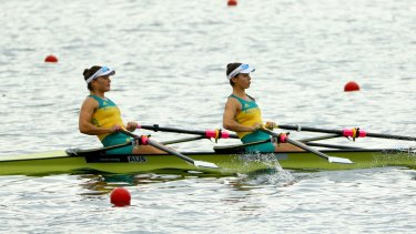 Australian rowers Genevieve Horton and Sally Kehoe practise on Lagoa Rodrigo de Freitas.