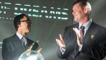 Lawrence Ho and James Packer at a news conference in Manila in 2012.