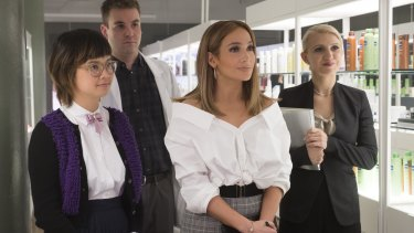 Jennifer Lopez portrays a highly capable New Yorker working in retail.