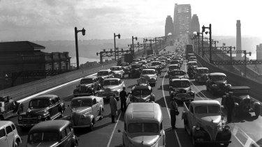 Traffic on the Sydney Harbour Bridge, 1948.