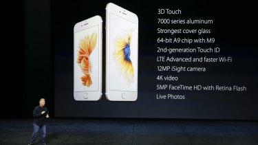 Apple VP Phil Schiller runs down some of the specs.