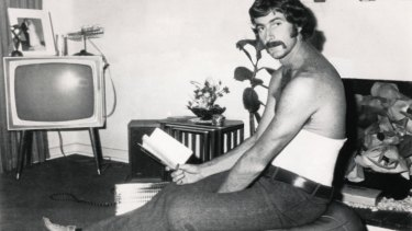 Lillee after he damaged his back.