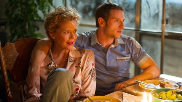 Annette Bening as Gloria Grahame and Jamie Bell as Peter Turner.