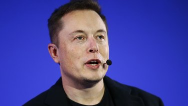 Billionaire Elon Musk, who runs Tesla, is offering to solve South Australia's power crisis in 100 days or he will do it for free.