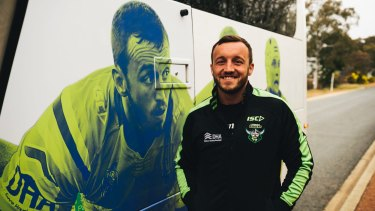 The Raiders unveiled a newly branded bus featuring players including Josh Hodgson as they prepare for the finals.
