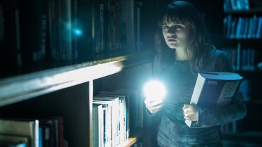 "Wren (Joey King) is terrorized by Slender Man while researching ""paranormal"" activity."