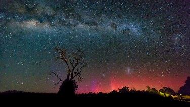 The Aurora Australis peeks into Busselton.