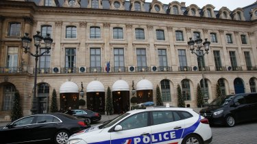 Paris police have recovered jewels stolen from the Ritz, but are still searching for two thieves.