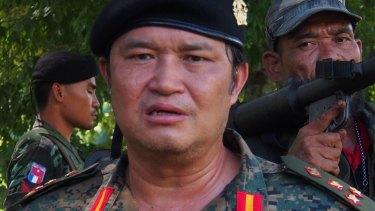 Major-General Nerdah Bo Mya with KNDO soldiers.