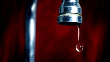 Oakey residents' water was contaminated with elevated levels of perfluorinated chemicals.
