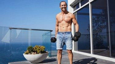 Larry Emdur shirtless in Men's Health magazine.