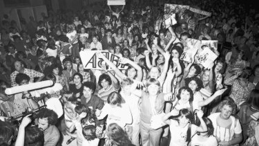 Abba fans await the band's arrival at Sydney's Sebel Townhouse in February 1977.