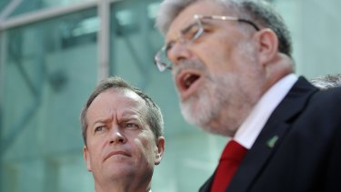 Bill Shorten and Kim Carr will announce a $1 billion boost for advanced manufacturing while in South Australia.