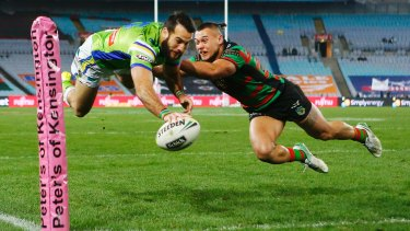 Michael Oldfield scores on debut for the Canberra Raiders.