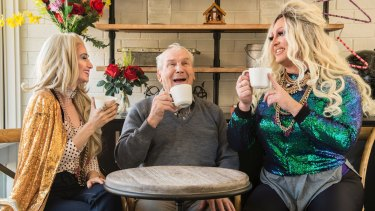 Paris and Tacky enjoy a cup of tea with resident Silvio Iskra.