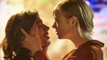 Sarah Snook and Benedict Samuel as Skeet and Anna.