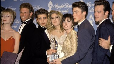 The cast of 90210: Jennie Garth, Ian Ziering, Jason Priestley, Tori Spelling, Shannen Doherty, Brian Green and Luke Perry in1992.