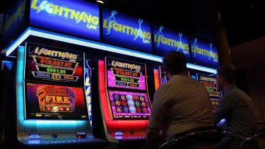 Migrants have a higher chance of risky gambling, research shows.