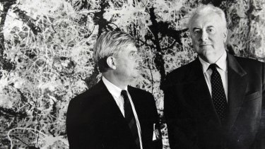 Former prime minister Gough Whitlam and Director of the Australian National Gallery James Mollison in front of Blue Poles in 1973.