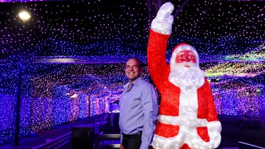 David Richards among the Guinness World record attempt for the largest LED light image display.