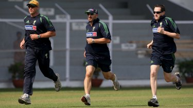 John Orchard on the run with Matthew Hayden and Australian cricket team physiotherapist Alex Kountouris in Mumbai in 2007.