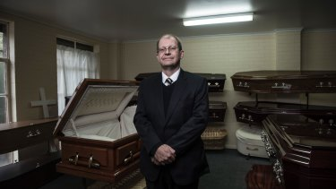 The Victorian director of the National Funeral Directors Association, Nigel Davies, says cremation costs in Melbourne start at about $800.