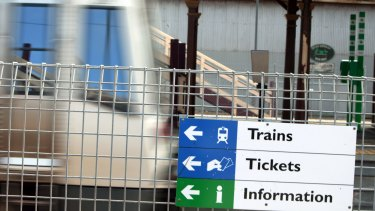 Armadale and Thornlie line passengers are urged to plan alternatives now.