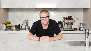 British celebrity chef Heston Blumenthal, who ran a Fat Duck restaurant in Melbourne for six months, plans to tailor menus in his reopened London restaurant to individual diners.