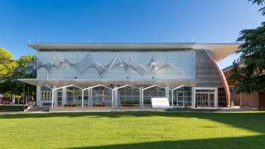Murray Art Museum Albury.