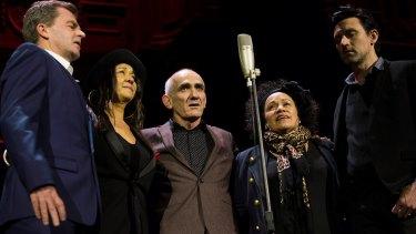 Paul Kelly, Vika and Linda Bull and Paul Dempsey performed at the memorial.