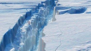 A crack in the Larsen C ice shelf grew 17 kilometres in December.