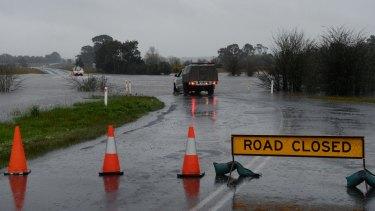 Flooding on Bells Road, Smythes Creek.