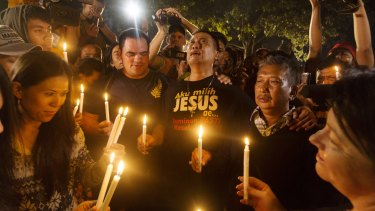 A midnight candle light vigul held at Wijaya Pura in Cilacap on the day of the execution of Andrew Chan,  Myuran Sukumaran and six other inmates.