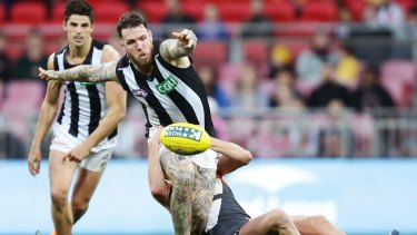 Collingwood is set to sign a big sponsorship deal with Holden.