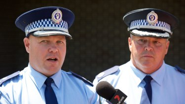 Superintendent Bob Noble (left) and Assistant Commissioner Gary Worboys at a press conference at Wagga Wagga Police Station in relation to the ongoing manhunt for Gino and Mark Stocco.